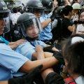 FOTOD: Hongkongis toimus kokkupõrge meeleavaldajate ja politsei vahel