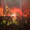 Protestijad eile Ungari parlamendi juures.