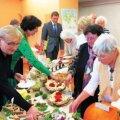 Tänavune sügisandide näitus ja degusteerimine oli juubelihõnguline – sellisel moel tähistati eakate päeva juba viiendat korda. Foto: Katrin Romanenkov