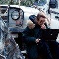 VÄLIKONTOR TŠETŠEENIA MÄGEDES: 1999. aasta lõpus kajastas Marie Colvin kohapeal Tšetšeenia sõda, kuid jäi sinna lõksu ja pidi pääsemiseks läbima 3500 meetri kõrgusel asuva mägitee.