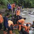 Indoneesias paiskus reisibuss kuristikku, nõudes veerandsaja inimese elu