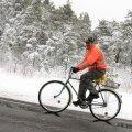 DELFI FOTOD: Lombiks kuivanud Kaali järv ja lumi autodel ehk talv jõudis ka Saaremaale