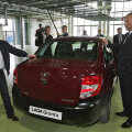 Venemaa president Vladimir Putin käis 2011. aastal Lada uut sedaani Grantat isiklikult imetlemas
