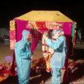 ВИДЕО   Когда твоя девушка больна. Невеста из Индии заболела коронавирусом в день свадьбы, но церемония все равно состоялась