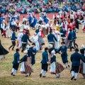 Välismaa turistid võivad ju tantsupidu vaadates uskuma jääda, et näevad tuhande aasta vanuseid tantse, aga meie teame, et tegelikult on need üsna uued.