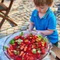 RETSEPT | Kuuma ilma maasikabool kogu perele!