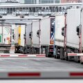Kaubaautode järjekord Tallinna sadamas