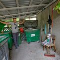 Kristo Elias on koos poja Jasperiga valmis pingutama prügivabama maailma nimel. Ta soovitab ametnikel võtta eeskuju Skandinaaviamaadest, kus inimestel on jäätmete sorteerimine võimalikult mugavaks tehtud ning neil ei ole vajadust otsida pakendikonteinerit kuskilt poole kilomeetri kauguselt.