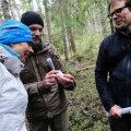 President Kersti Kaljulaid lendorava elupaigas Lääne-Virumaal.