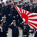 Shinzo Abe tervitamas õhuväge
