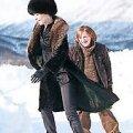 Vaid külm võib päästa: Surmahaige Naise (Helena Merzin) viimaseks lootuseks on süütu Poiss (Artur Tedremägi). kaader filmist