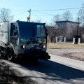 Весенняя уборка внутриквартальных дорог Кристийне идет полным ходом