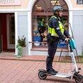 Pärnu patrulltalituse juht Henry Murumaa tõdeb, et inimesed suhtuvad tõukerattapolitseisse suurema sümpaatiaga.