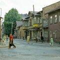 Nikonovi/Soo ja Vana-Kalamaja tänava nurk 1972. aastal. Täna leivapoes Topsi baar.