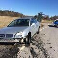 FOTOD: Eakas joobes juht sõitis maha hulga liiklusmärke, aga alla veel ei andnud