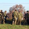 FOTOD ja VIDEO: Sloveenia alustas okastraadi vedamist Horvaatia piirile