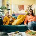 Oot-oot, miks söövad Helene Vetik ja Madis Nestor mööblisalongis?
