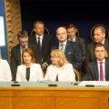 Meediasse lekkinud uute ministrite nimed viitavad olulistele vangerdustele portfellidega