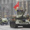 Putin käis valimiste eel Ukraina sõjaväe paraadi vastu võtmas