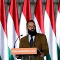 KUI MURU OLI VEEL ROHELINE: Ungari konservatiivne eurosaadik Jozsef Szajer 2019. aastal kodumaal kõnet pidamas. Täna astus ta geiskandaali tõttu tagasi.