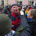 Tulihingeline vabadusvõitleja või provokaator: Praeguse Elmo Andi arvates oli sinimustvalge haakristiga vehkimine Vene saatkonna juures peetud meeleavaldusel igati mõistlik tegevus.