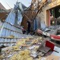 DELFI MÄGI-KARABAHHIS | Martakerti pommitatakse iga päev, linnaelanikud hoiavad kodus automaate