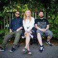 Mikk Simson (vasakult), Johanna Oden ja kitarrist Hando Jaksi said Aasiast üksnes häid emotsioone ja on valmis seal jätkama.