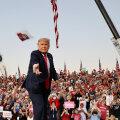 VIDEO | Koroonanegatiivseks kuulutatud Trump lubas kampaaniaüritusel Floridas kõigile suure rasvase musi anda