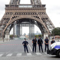 Pariisis evakueeriti pommiähvarduse tõttu Eiffeli torn ja selle ümbrus