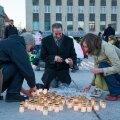 Küünlad küüditamise ohvritele Vabaduse väljakul