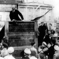 Lenin väitis end olevat rõhutute kaitsja. Trotski on sellelt pildilt kustutatud. Arhiivifoto.
