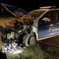 ФОТО   В Валга машина полиции врезалась в дерево. Начато внутреннее расследование