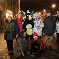 ФОТО | Салют отгремел, но праздник продолжается! На улицах Старого города полно отмечающих Новый год