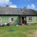 Nüüdseks on maja müügis vaid 11 250 euroga ja potentsiaalne ostjagi olemas. Kui maja märtsis toimuval oksjonil müüdud saab, tuleb kuuelapselisel perel eri ametite abiga soetatud ja korrastatud majast välja kolida.
