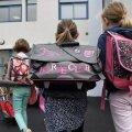 Французские власти пытаются остановить неожиданную травлю детей, рожденных в 2010 году