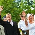 Toomas Hendrik Ilves ametlikult ei puhka, kuid saab 6026 eurot hüvitist
