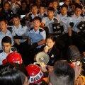 FOTOD: Hongkongi politsei kasutas tunneli meeleavaldajatest vabastamiseks jõudu