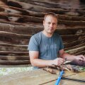 """""""Mul on hea meel, et meie maal on kõrgema taseme metsateadvust jagatud eesti keeles juba kauem kui 100 aastat,"""" rõõmustab maaülikooli metsateadlane Rein Drenkhan, kes jagab huvilistele tarkusi Järvseljal."""