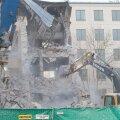 FOTOD: Maja lammutamine täitis Tallinna südalinna paksu tolmuga