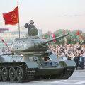 Танк Т-34 во время парада в Беларуси