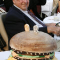 Delligatti 2008. aastal oma 90. sünnipäeval.