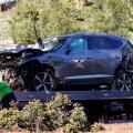 Tiger Woodsi masin pärast avariid.