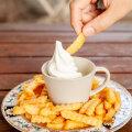 Вызов любителям мороженого! 3 соленых блюда из холодного сливочного лакомства