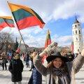 Власти Литвы предлагают прививать от коронавируса приезжающих в страну туристов