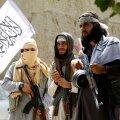 """Страны эвакуируют своих граждан. Как мир отреагировал на победу """"Талибана"""" в Афганистане"""