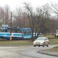 FOTOD: Koplis sõitis tramm rööbastelt maha