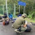 FOTOD   Eesti politsei aitab leedukatel põgenikke püüda. Sealne siseminister tänab meid