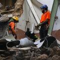 Beirutis avastati kuu pärast hävitavat plahvatust väidetavalt südamelöögid rusude all