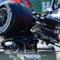 Halo turvaraam päästis Lewis Hamiltoni.