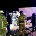 Трагическое ДТП в России: грузовик снес с трассы микроавтобус, погибли 12 человек